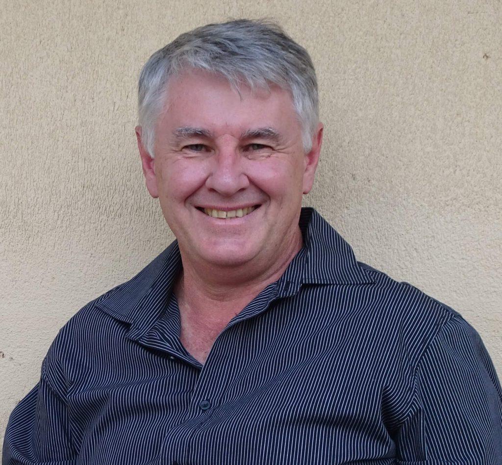 Dr Brett Davis